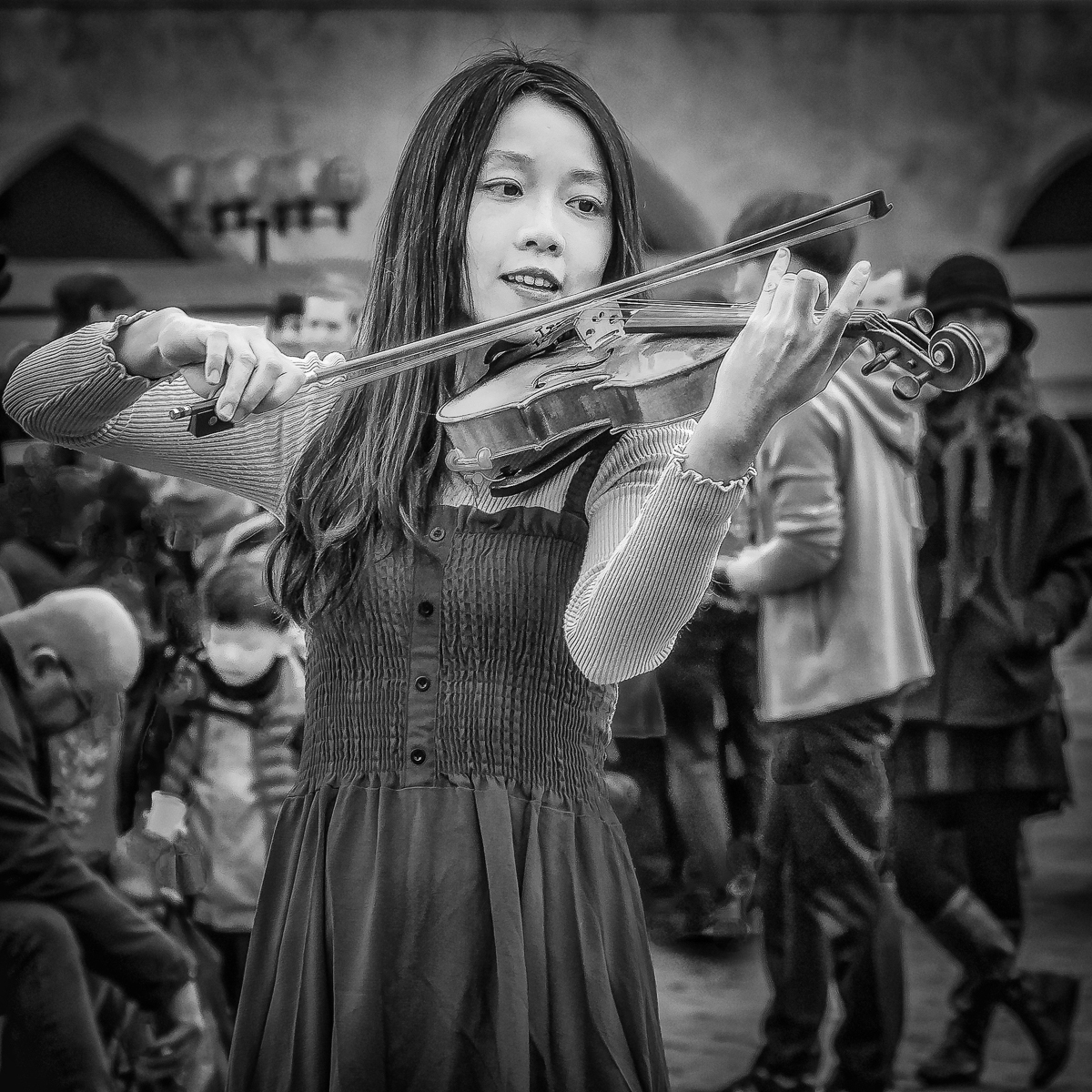 03-StreetViolinist_MP_ErithFrench_15-pts_JC
