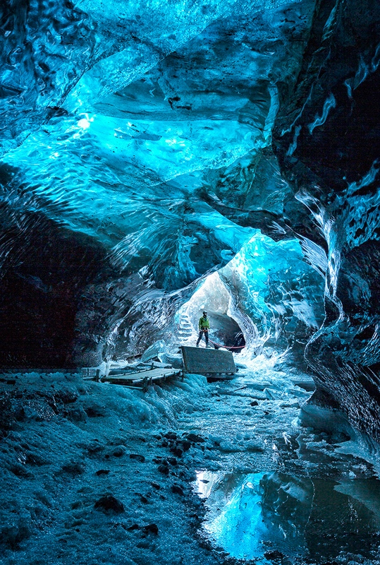 09-IceCave_C_Caldwell_15-pts_JC